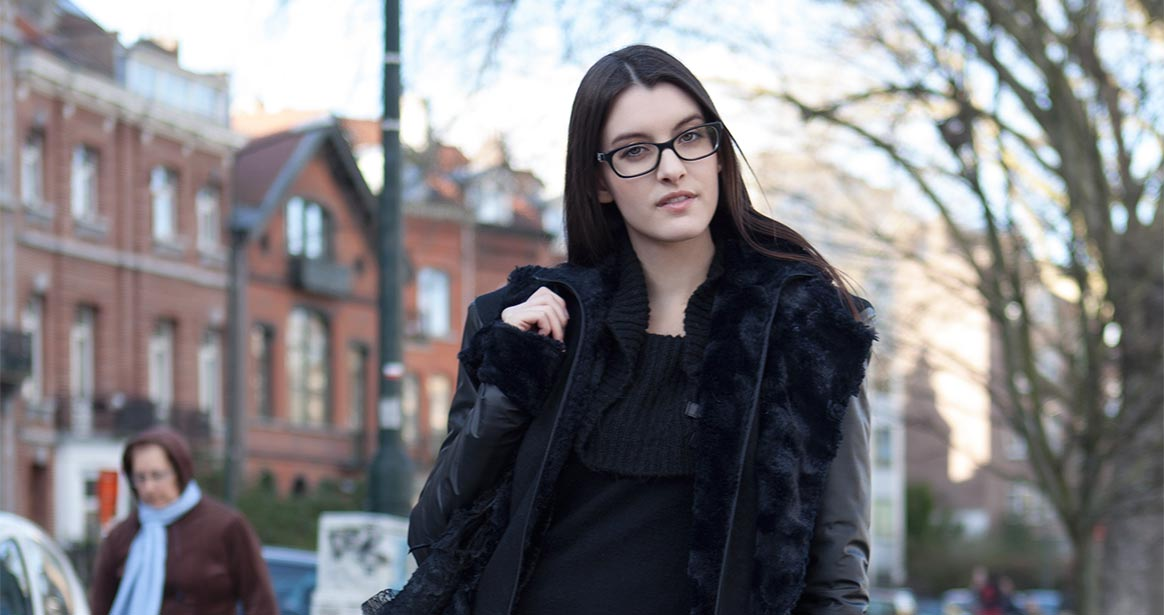 Streetglam #49, Sharon Boucquez, dark fashion model, posing for Streetglams.