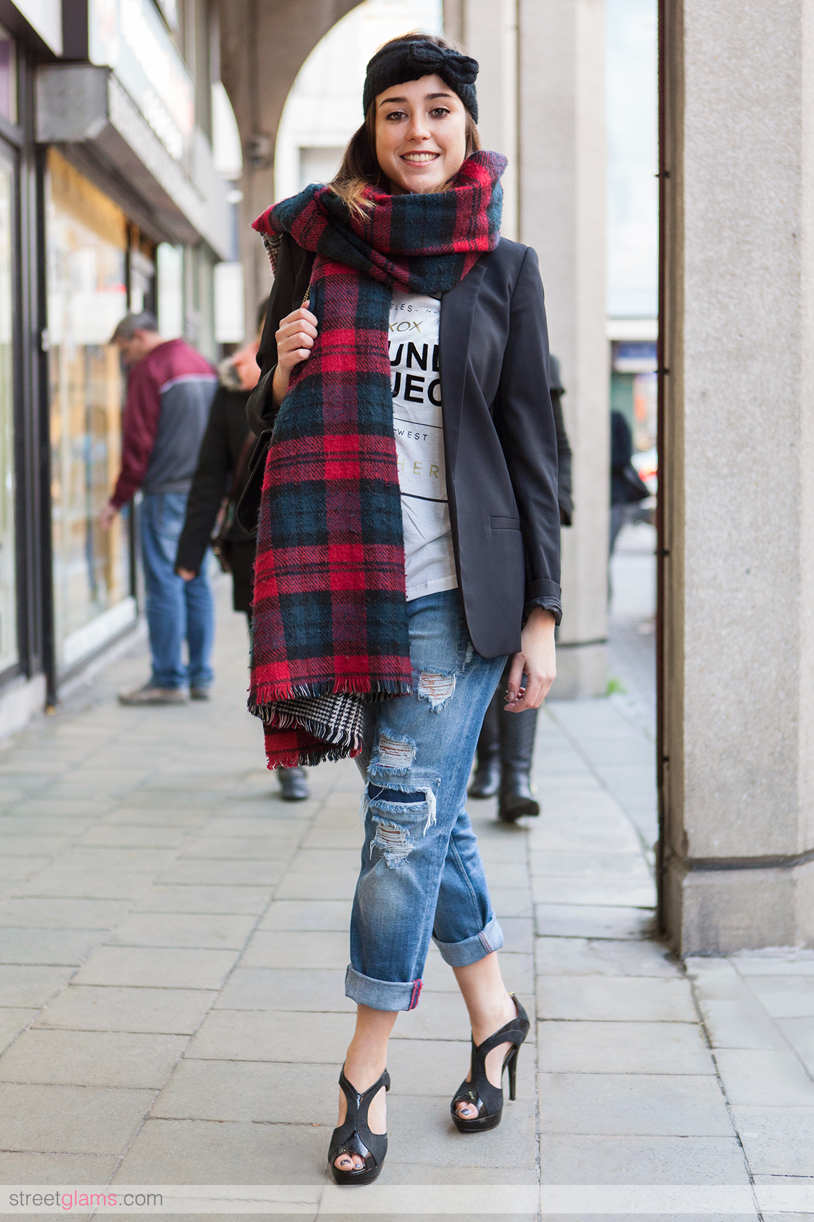 0ff99acad41 How To Wear Boyfriend Jeans With Heels