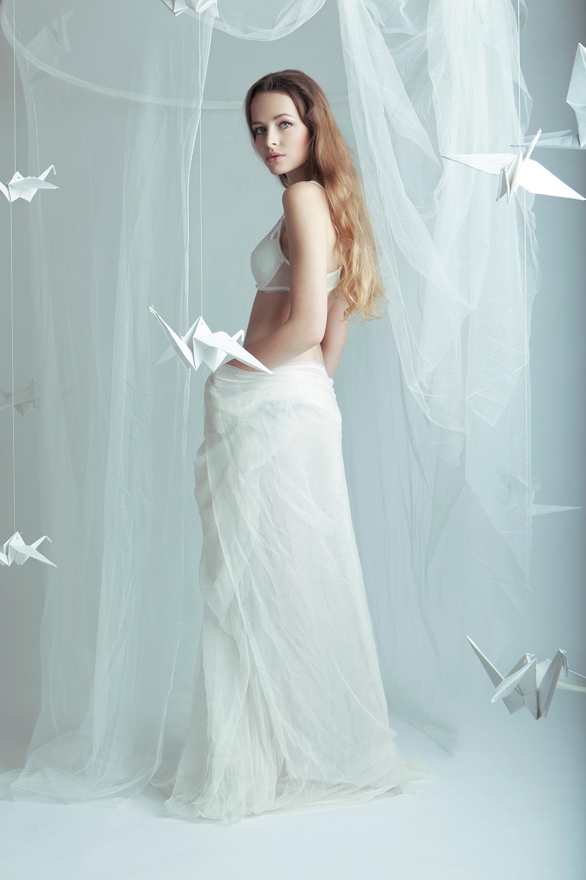 Streetglams: white lingerie magic for Chantelle